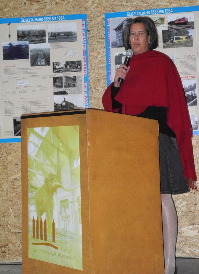 Staatssekretärin Dr. Tamara Zieschang eröffnet die Ausstellung der Bergleute in der Zentralwerkstatt Pfännerhall