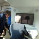 Roland Karge mit Bürgermeister Marggraf am ICE-Fahrsimulator